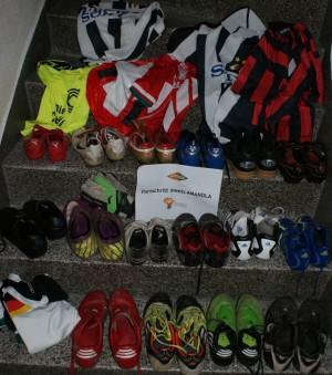 Und das ist zusammengekommen: Über 20 paar Schuhe und über 10 Triokts (Bild: Markus Elbers)